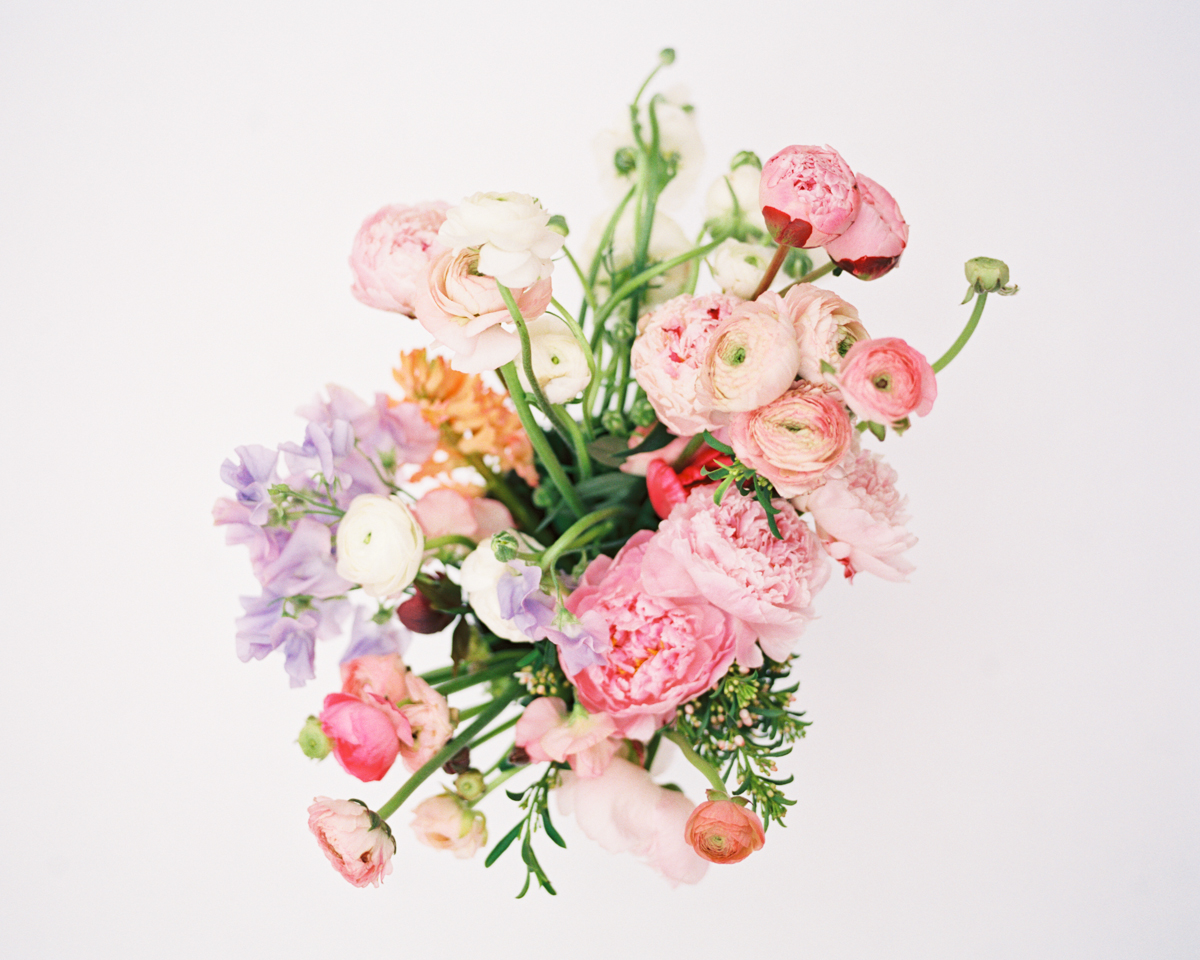 tara mcmullen photography sweet woodruff florals spring bouquet DIY-1