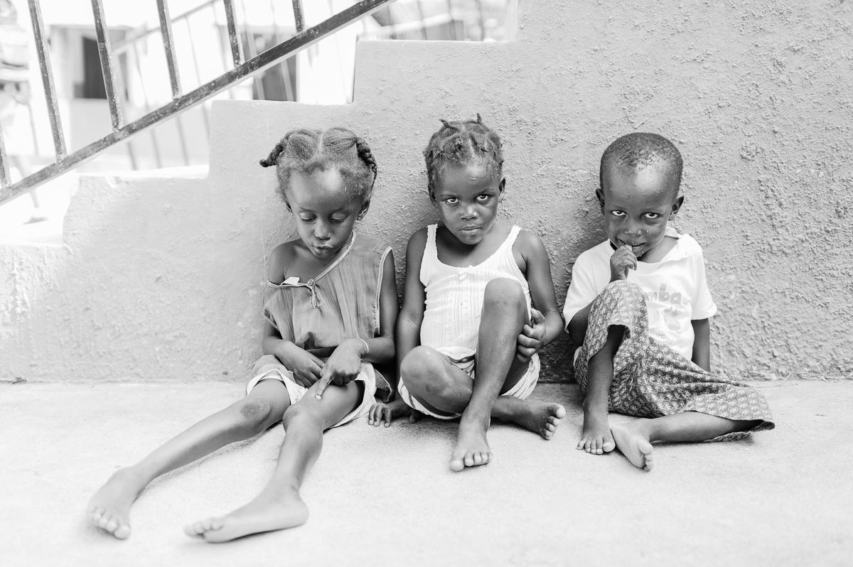 haiti photography soeur flora's orphanage in haiti volunteer in haiti at an orphanage-018
