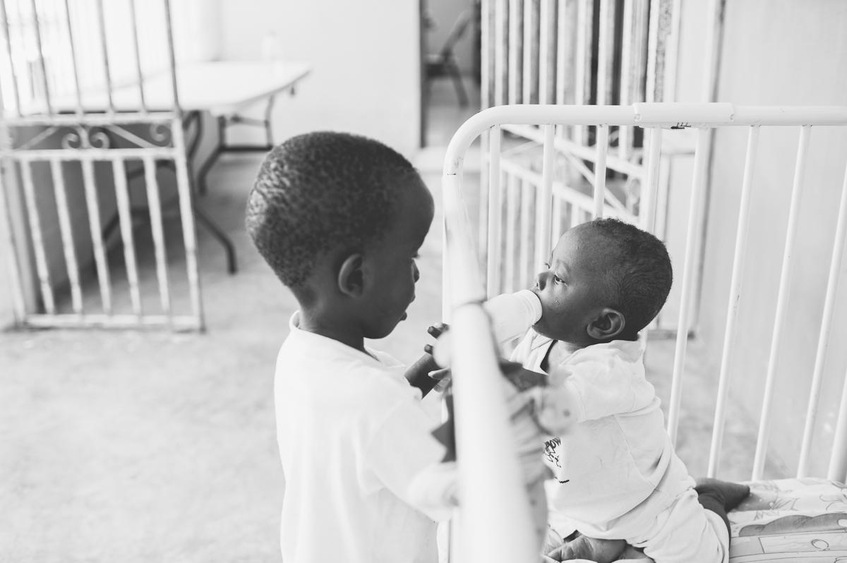 haiti photography soeur flora's orphanage in haiti volunteer in haiti at an orphanage-020
