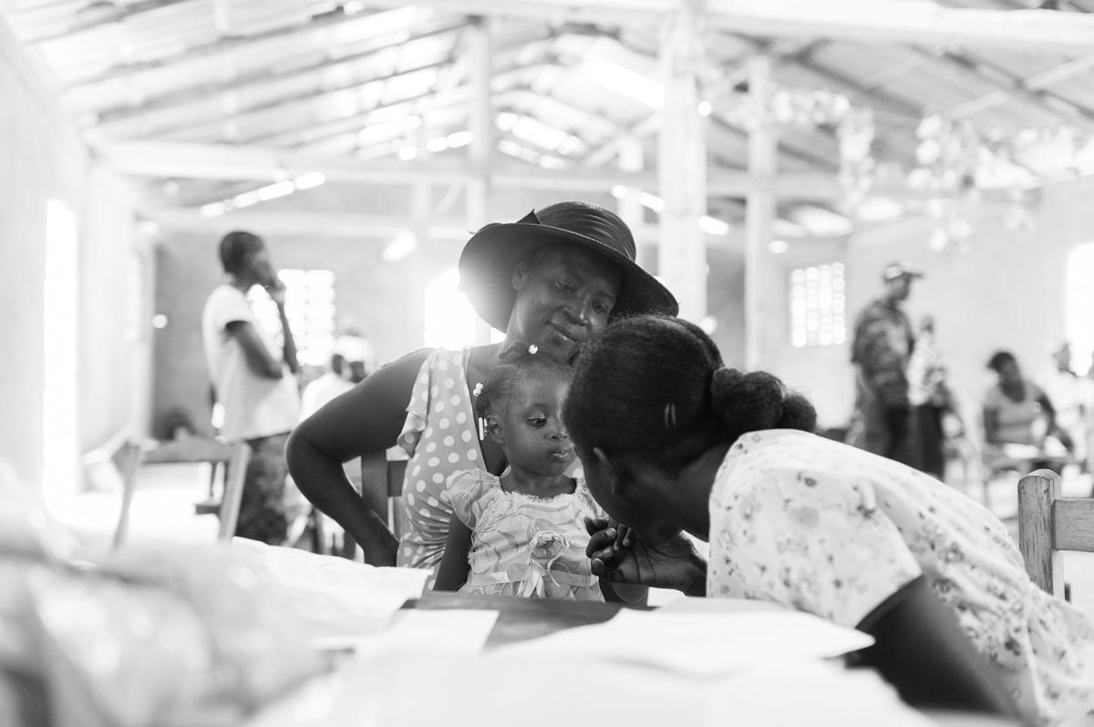 haiti photography soeur flora's orphanage in haiti volunteer in haiti at an orphanage-049