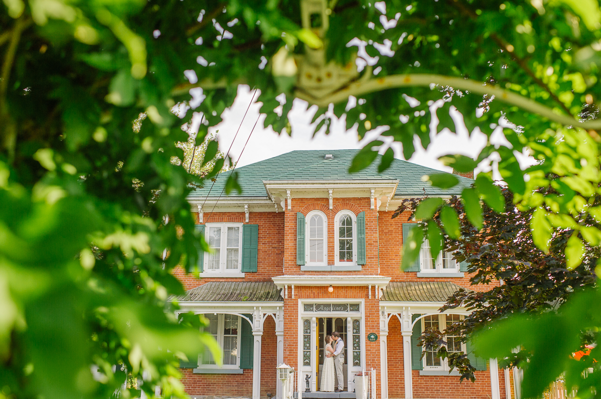 tara mcmullen photography intimate wedding venues ontario wedding venue picton bloomfield angelines inn bloomfield wedding where to elope in toronto-033