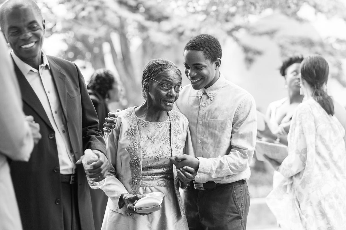 tara mcmullen photography kara and christians wedding sunnyside pavillion wedding toronto documentary wedding photography toronto-034