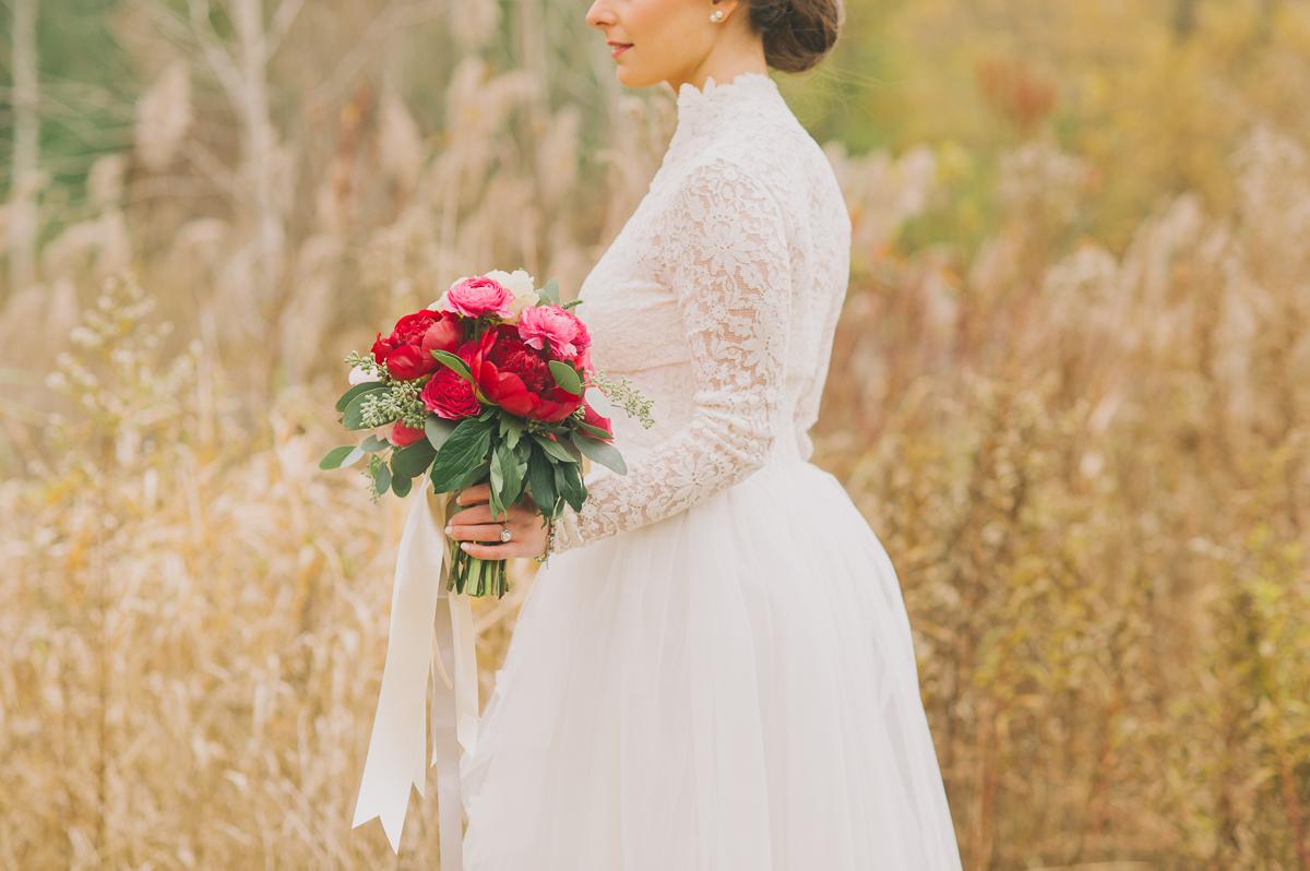 tara mcmullen photography antique wedding gowns toronto historical wedding gown toronto evergreen brickworks wedding autumn wedding at brickworks-001
