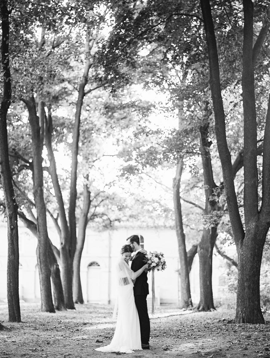 tara mcmullen photography lisa collins sweet woodruff flower design grey likes styled shoot dundurn castle wedding film wedding photography toronto film wedding photographer toronto-004