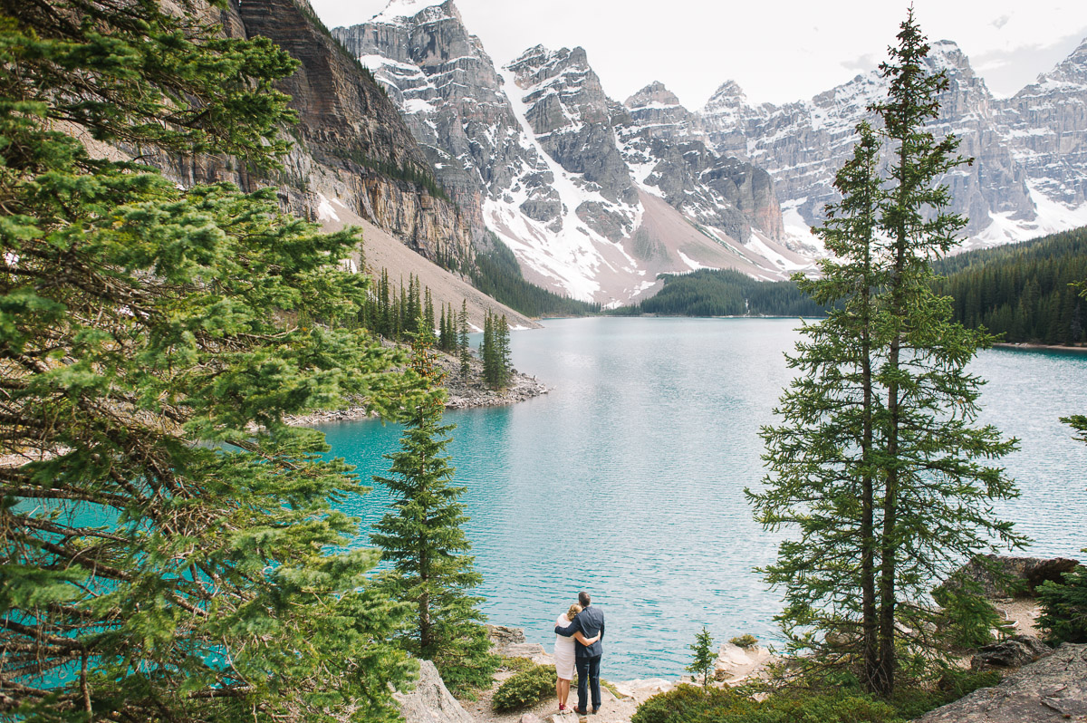 tara mcmullen photography toronto wedding photography moraine lake elopement-001
