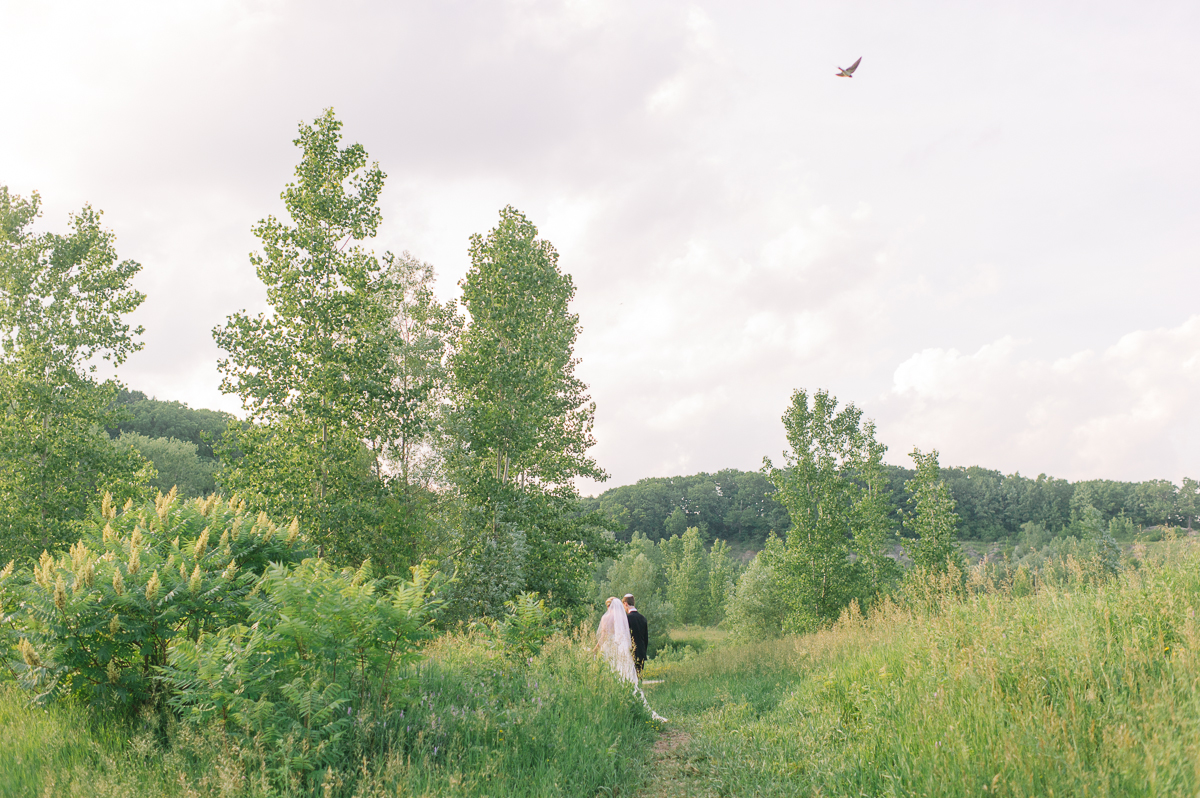 tara mcmullen photography evergreen brickworks wedding brick works wedding toronto wedding photos at the brickworks tiffany pratt wedding blush and bloom wedding florals documentary style wedding photography toronto-035