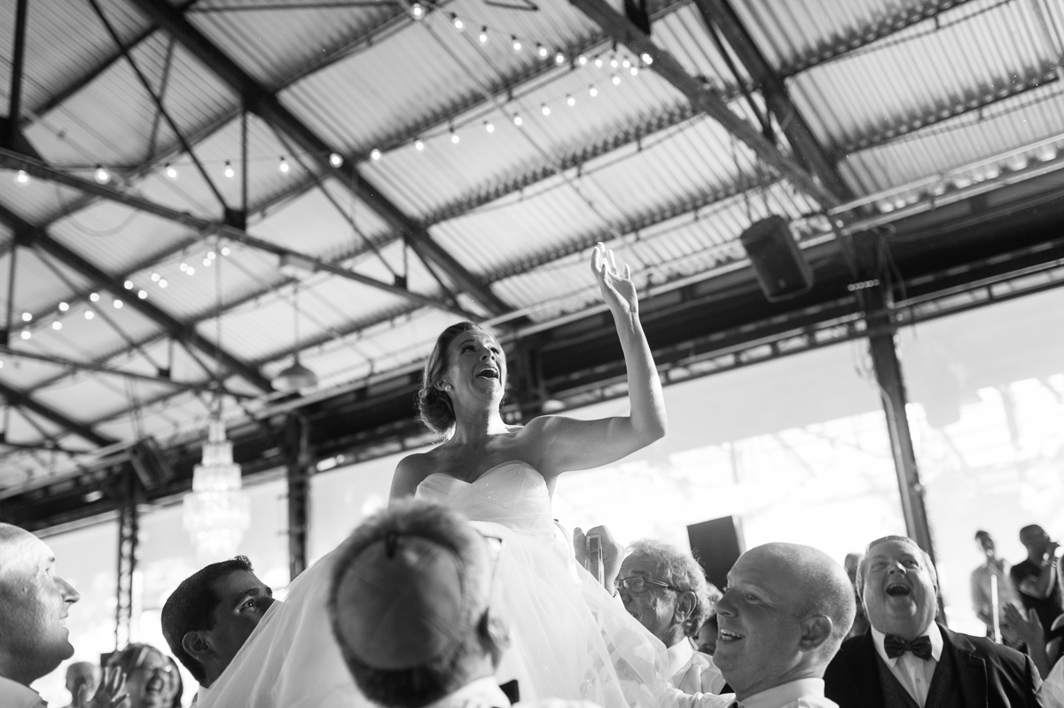 tara mcmullen photography evergreen brickworks wedding brick works wedding toronto wedding photos at the brickworks tiffany pratt wedding blush and bloom wedding florals documentary style wedding photography toronto-055