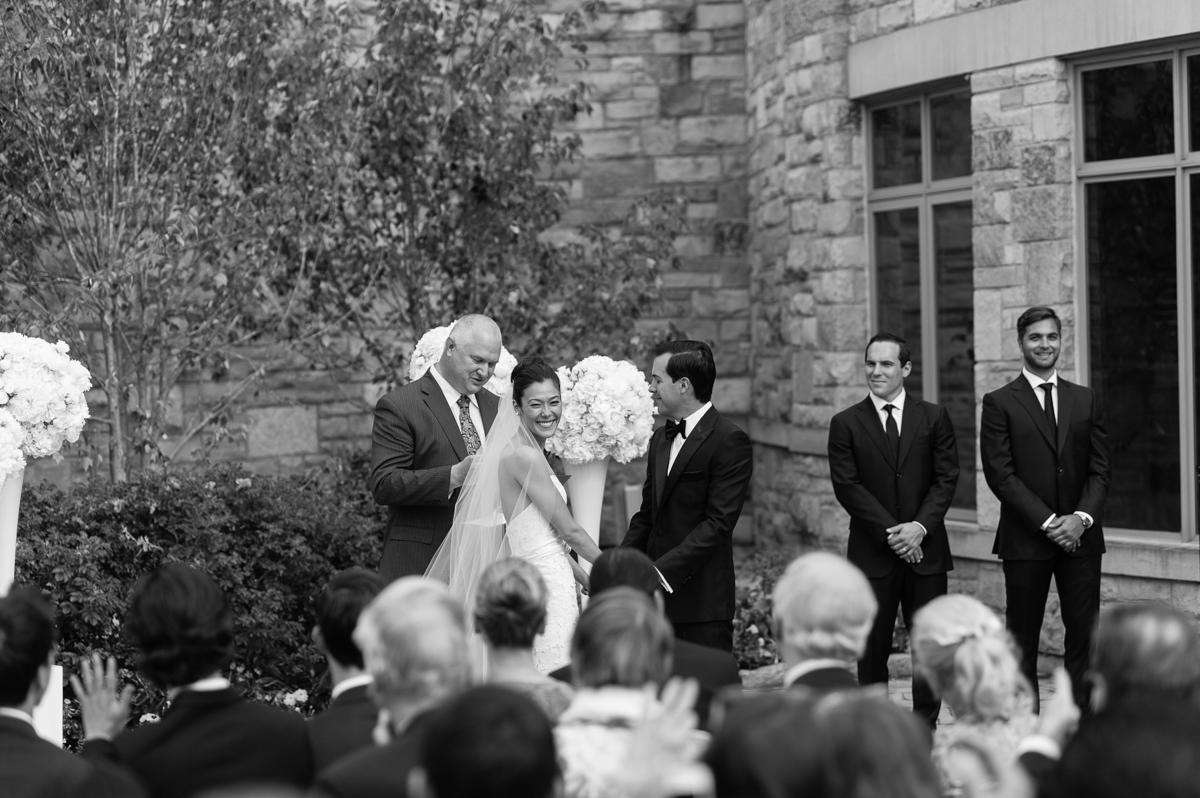 tara mcmullen photography toronto wedding photographer one fine day events toronto wedding at eagle's nest golf club-027