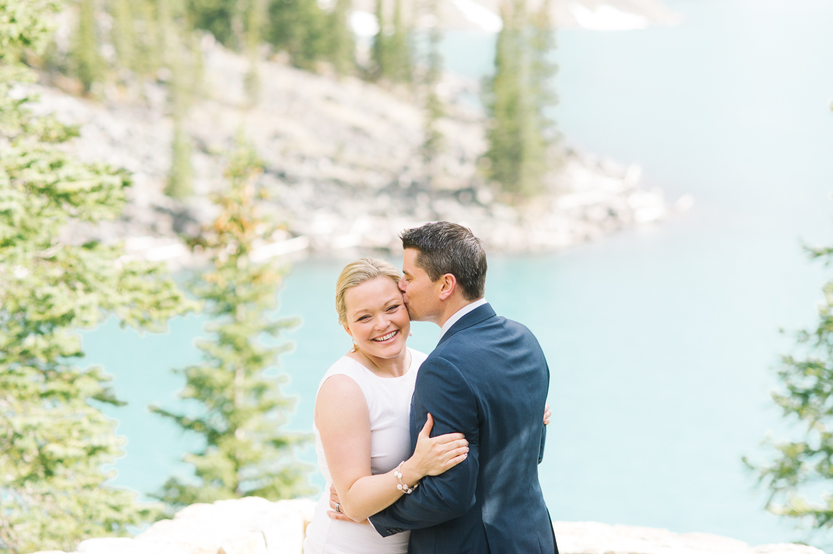 tara mcmullen photography toronto wedding photography banff wedding photographer moraine lake wedding banff national park elopement in banff intimate wedding photography documentary wedding photographer-022