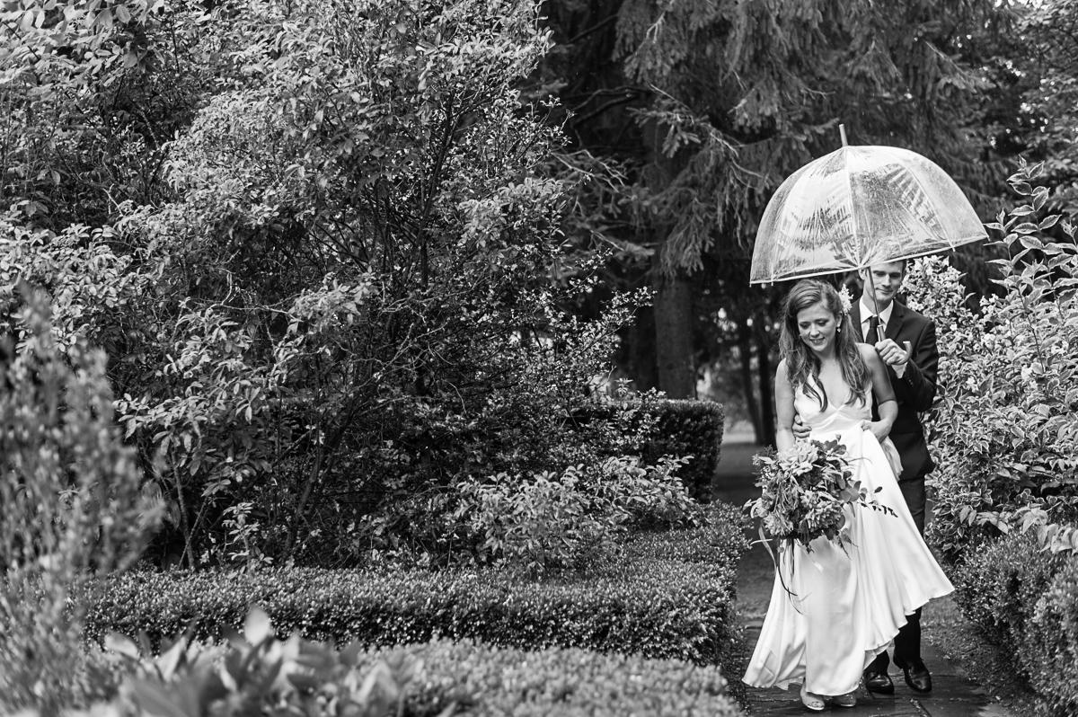 tara mcmullen photography toronto wedding photographer associate photographer barb simkova kurtz orchard wedding niagara gracewood estates wedding niagara on the lake wedding photographer-014