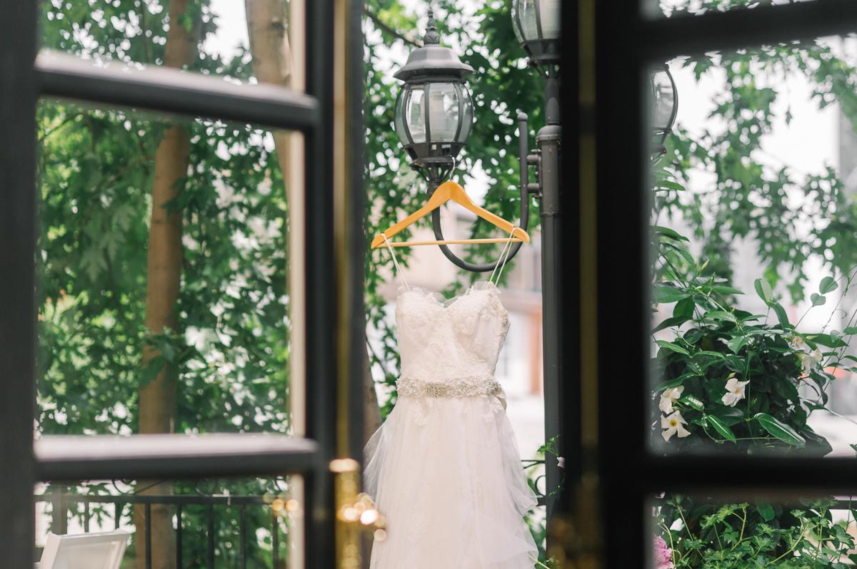 tara mcmullen photography toronto wedding photography barb simkova associate photographer berkeley church wedding toronto brickworks wedding photography toronto-001