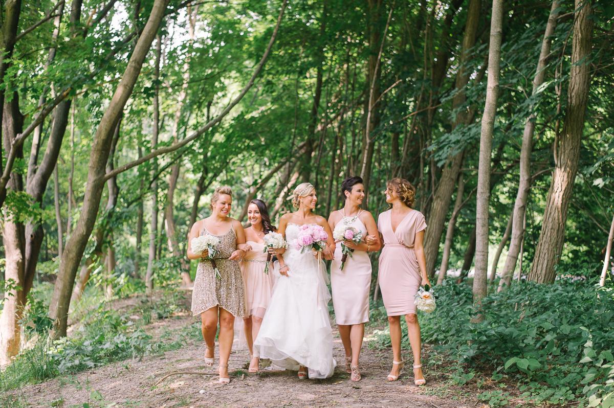 tara mcmullen photography toronto wedding photography barb simkova associate photographer berkeley church wedding toronto brickworks wedding photography toronto-007