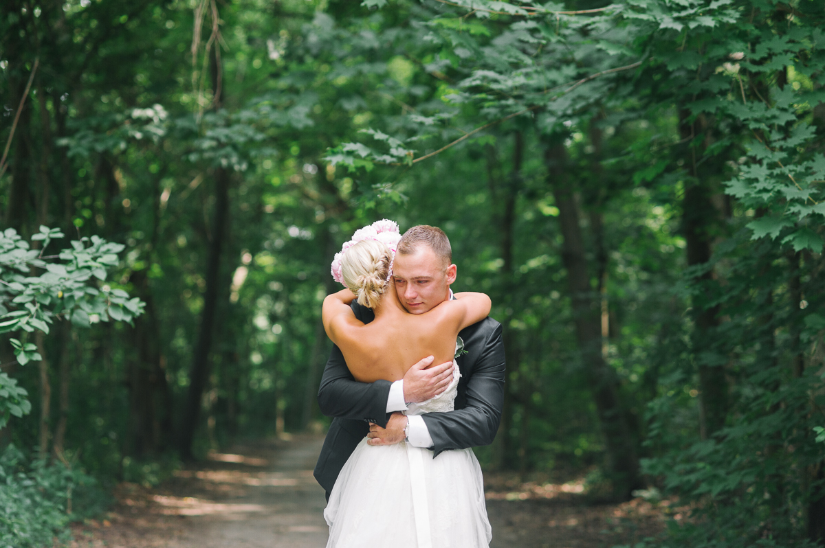 tara mcmullen photography toronto wedding photography barb simkova associate photographer berkeley church wedding toronto brickworks wedding photography toronto-010