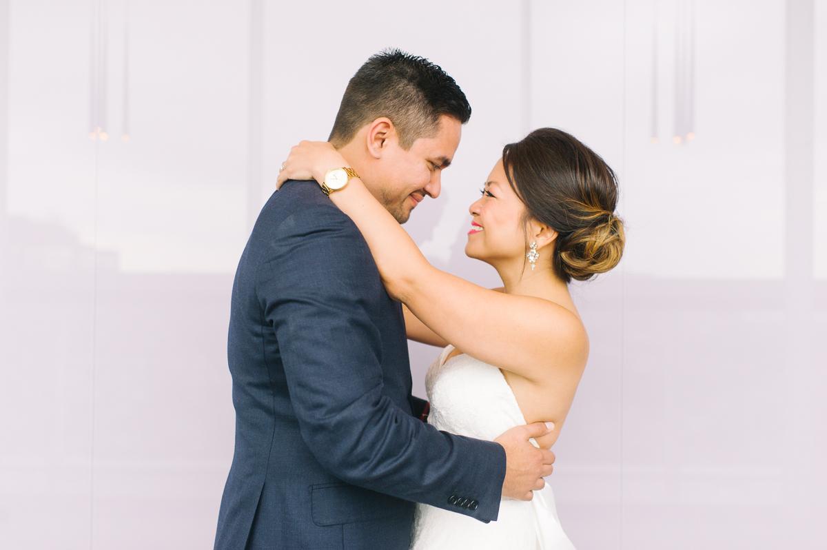tara mcmullen photography toronto wedding photography thompson hotel wedding photography liberty village wedding photography documentary style wedding photography toronto-016