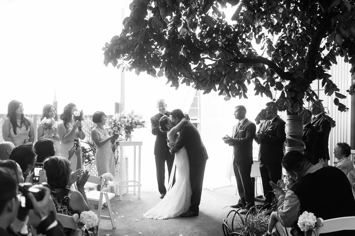 tara mcmullen photography toronto wedding photography thompson hotel wedding photography liberty village wedding photography documentary style wedding photography toronto-032