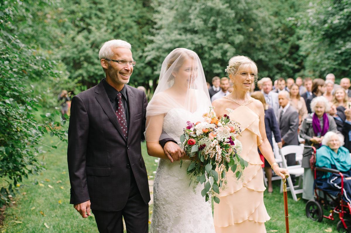 tara mcmullen photography toronto wedding photographer millcroft inn wedding photos documentary style wedding photography toronto associate photographer barb simkova-021