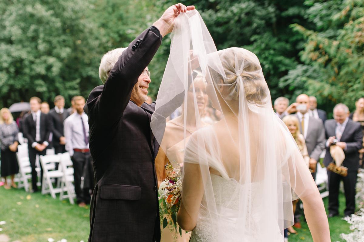tara mcmullen photography toronto wedding photographer millcroft inn wedding photos documentary style wedding photography toronto associate photographer barb simkova-022
