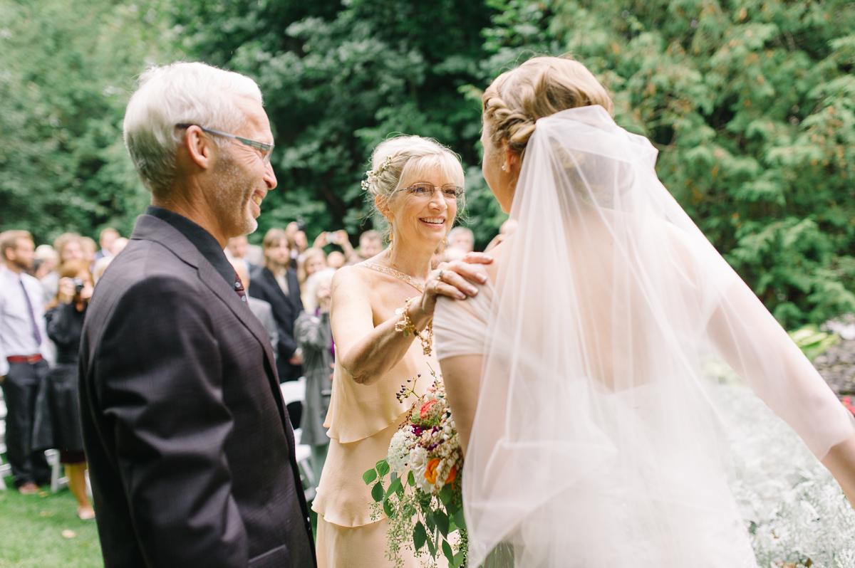tara mcmullen photography toronto wedding photographer millcroft inn wedding photos documentary style wedding photography toronto associate photographer barb simkova-023