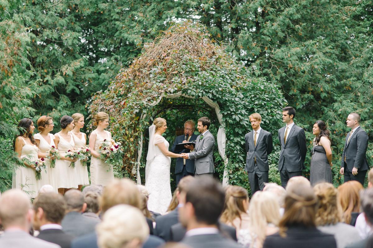 tara mcmullen photography toronto wedding photographer millcroft inn wedding photos documentary style wedding photography toronto associate photographer barb simkova-025