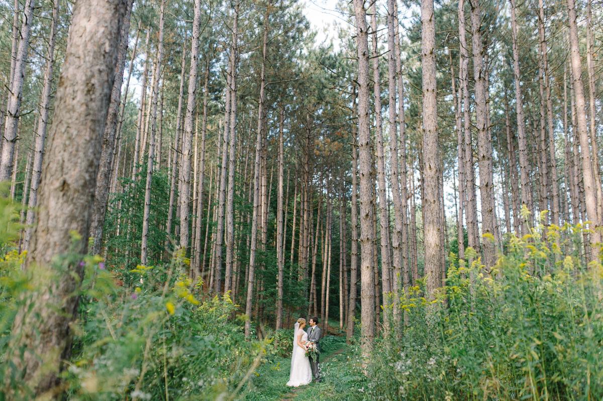 tara mcmullen photography toronto wedding photographer millcroft inn wedding photos documentary style wedding photography toronto associate photographer barb simkova-029