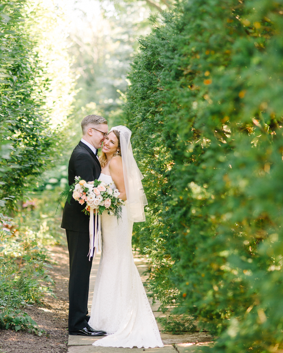 tara mcmullen photography graydon hall wedding associate photographer barb simkova sweet woodruff flowers toronto documentary style wedding photography toronto wedding photographer-027