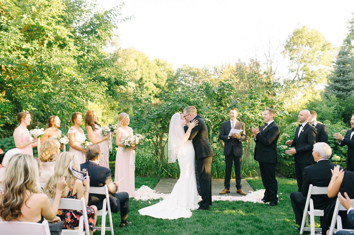 tara mcmullen photography graydon hall wedding associate photographer barb simkova sweet woodruff flowers toronto documentary style wedding photography toronto wedding photographer-037