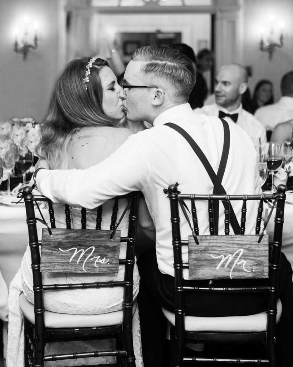 tara mcmullen photography graydon hall wedding associate photographer barb simkova sweet woodruff flowers toronto documentary style wedding photography toronto wedding photographer-049