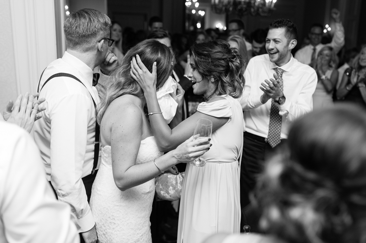 tara mcmullen photography graydon hall wedding associate photographer barb simkova sweet woodruff flowers toronto documentary style wedding photography toronto wedding photographer-059