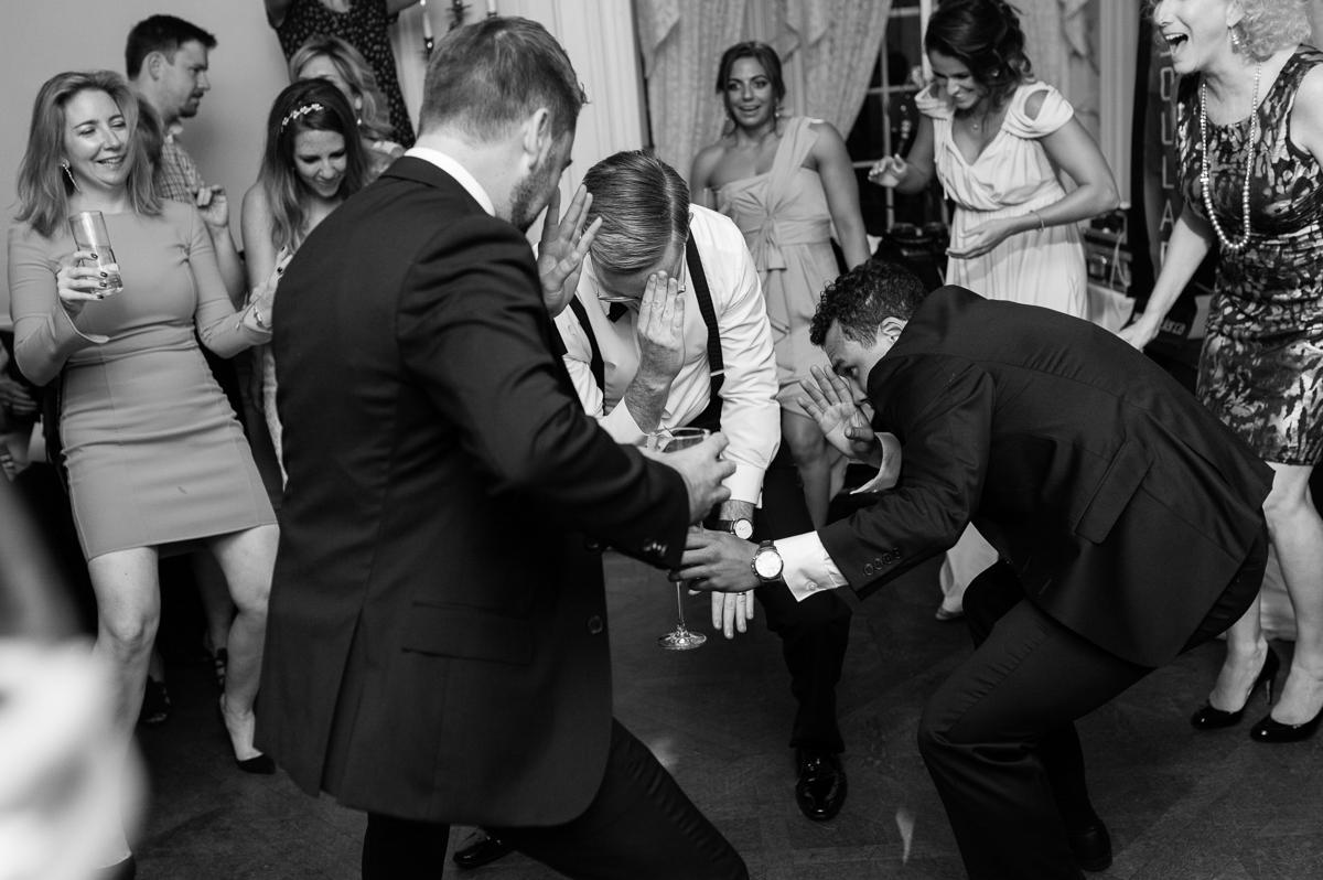 tara mcmullen photography graydon hall wedding associate photographer barb simkova sweet woodruff flowers toronto documentary style wedding photography toronto wedding photographer-065