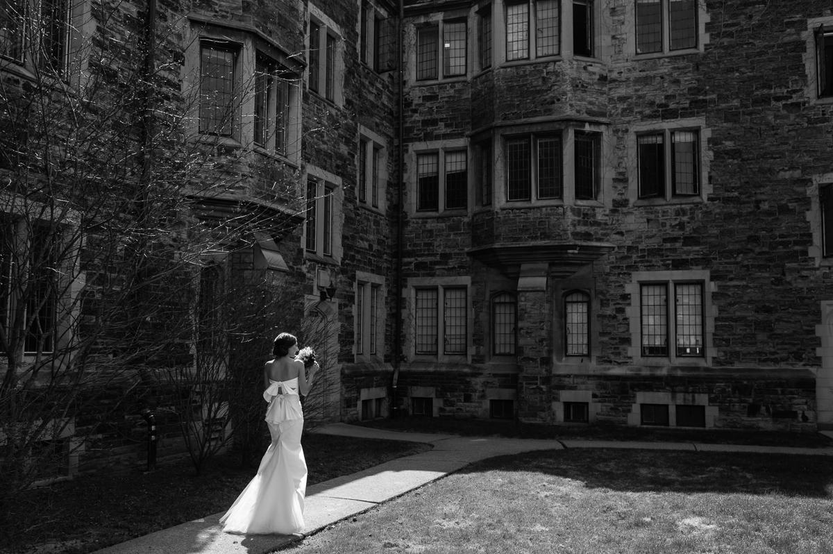 tara mcmullen photography toronto wedding photographer knox college wedding photos four seasons wedding toronto karina lemke weddings vera wang gown-008