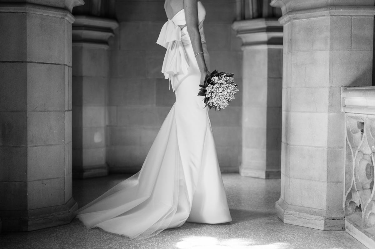 tara mcmullen photography toronto wedding photographer knox college wedding photos four seasons wedding toronto karina lemke weddings vera wang gown-012