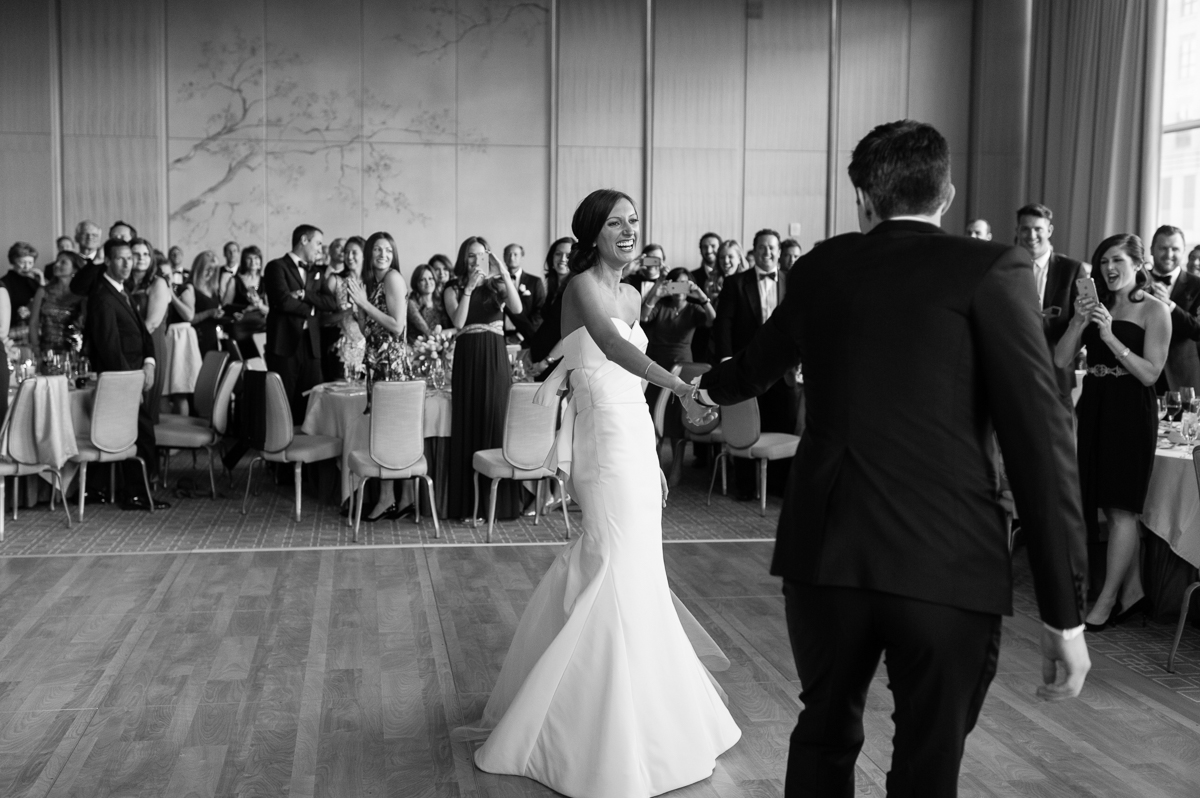 tara mcmullen photography toronto wedding photographer knox college wedding photos four seasons wedding toronto karina lemke weddings vera wang gown-049