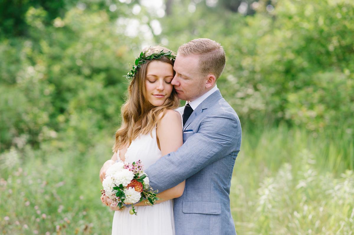 tara mcmullen photography documentary style wedding photography toronto island wedding wards island wedding best outdoor wedding venues toronto-017