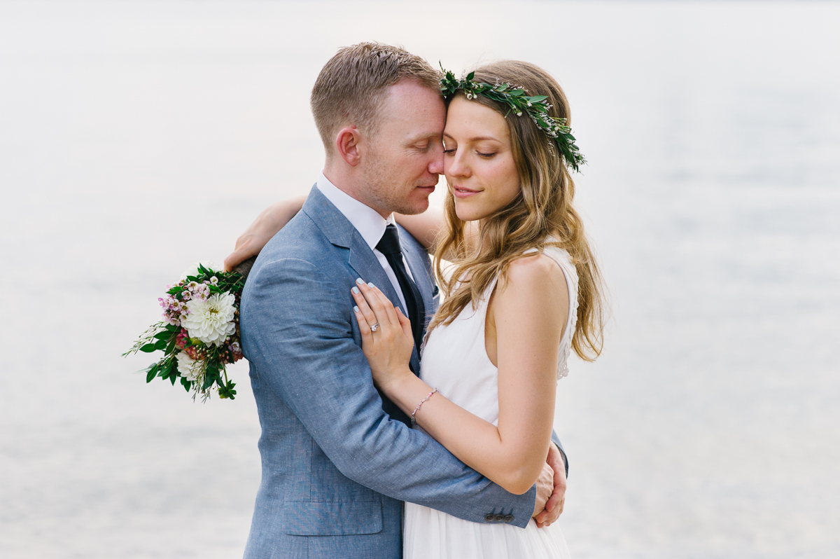 tara mcmullen photography documentary style wedding photography toronto island wedding wards island wedding best outdoor wedding venues toronto-053