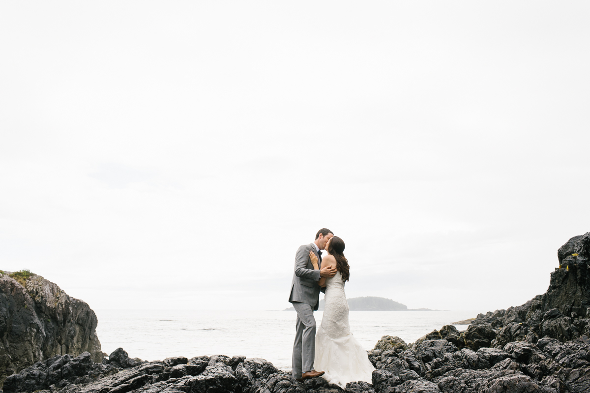 tara mcmullen photography wickaninnish inn wedding wick inn elopement tofino elopement photographer beach elopement in canada BC elopement where to elope in tofino-006