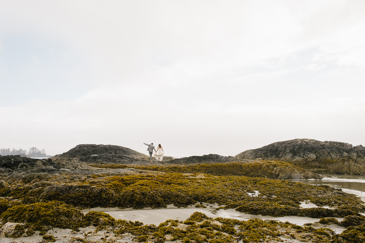 tara mcmullen photography wickaninnish inn wedding wick inn elopement tofino elopement photographer beach elopement in canada BC elopement where to elope in tofino-008
