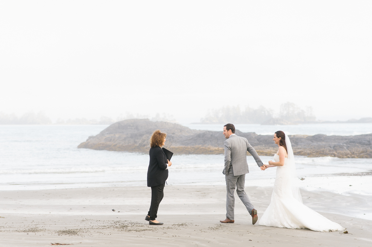 tara mcmullen photography wickaninnish inn wedding wick inn elopement tofino elopement photographer beach elopement in canada BC elopement where to elope in tofino-013