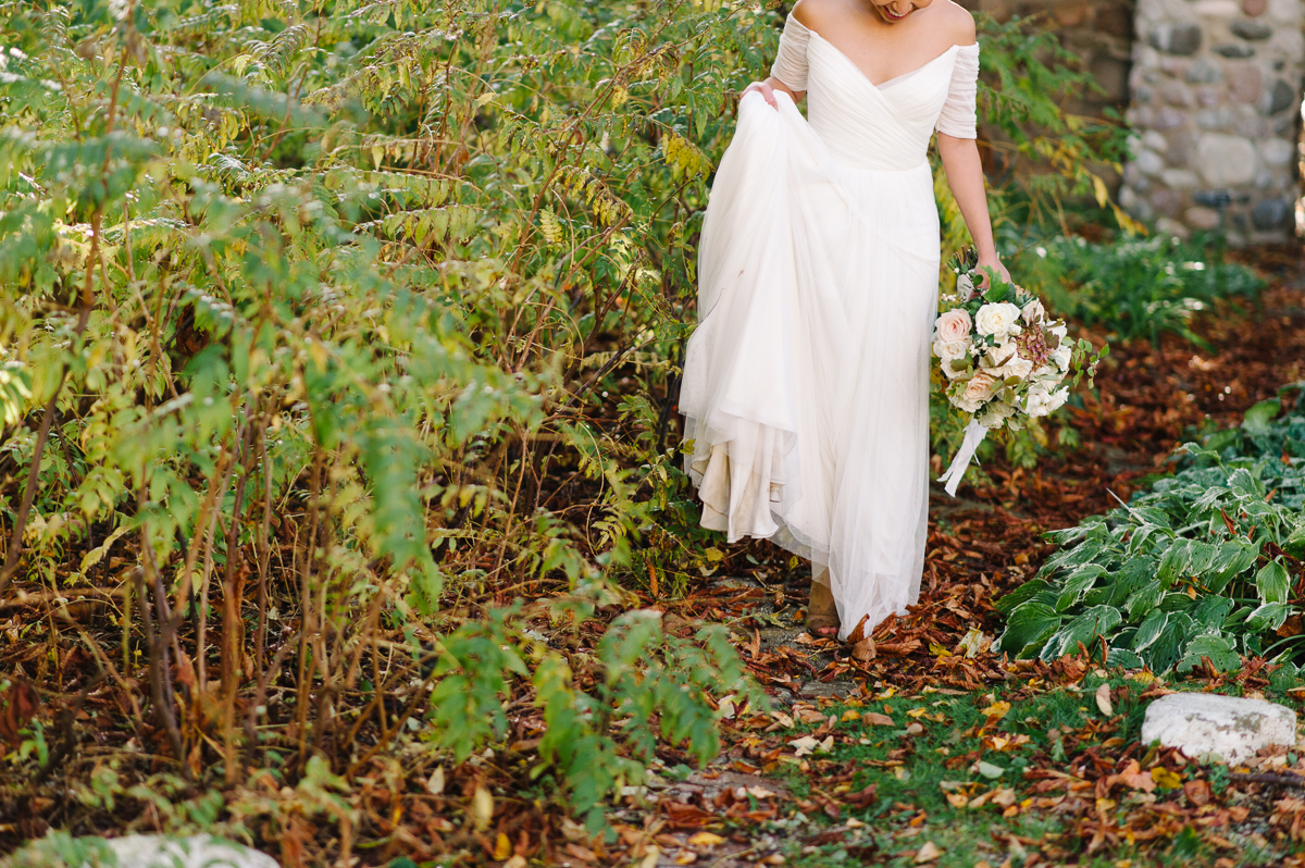 tara mcmullen photography toronto wedding photographer distillery district wedding cluny wedding photos sweet woodruff wedding flowers-031
