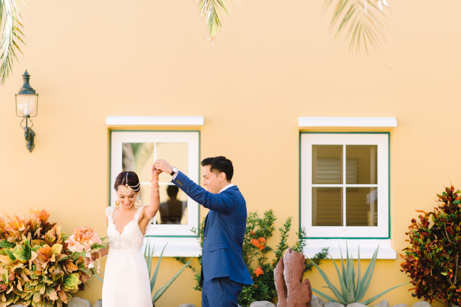 tara mcmullen photography amsterdam manor hotel wedding in aruba best wedding venue in aruba destination wedding photographer aruba indian wedding in aruba-008