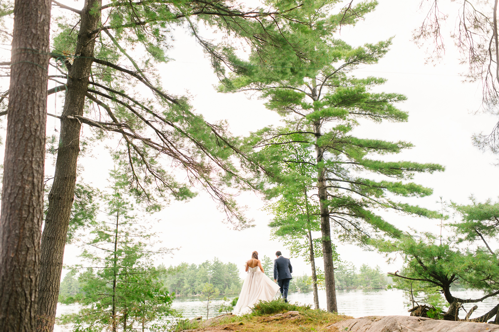 tara mcmullen photography muskoka wedding photographer st peters on the rock wedding photos muskoka wedding photos where to get married in muskoka camp ooch wedding-011