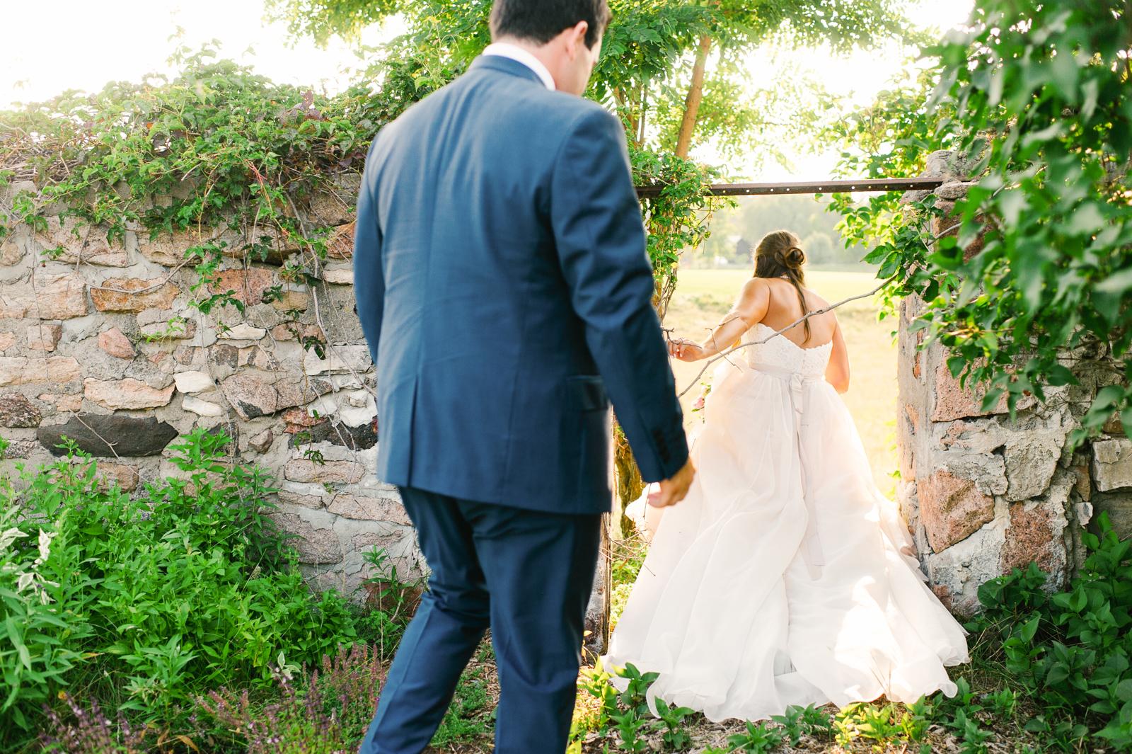 tara mcmullen photography muskoka wedding photographer st peters on the rock wedding photos muskoka wedding photos where to get married in muskoka camp ooch wedding-057