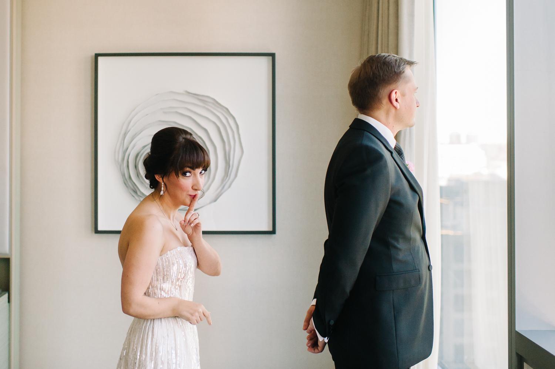 tara mcmullen photography four seasons toronto wedding photos jesi haack design wedding love by lynzie wedding confetti and champagne-003