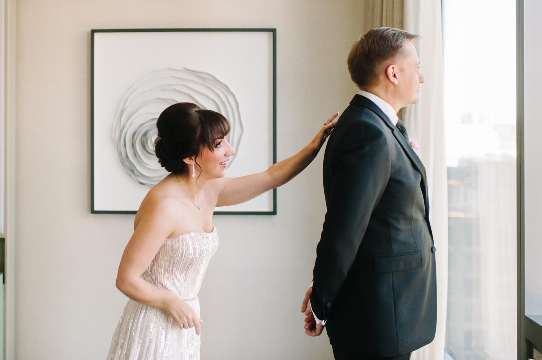 tara mcmullen photography four seasons toronto wedding photos jesi haack design wedding love by lynzie wedding confetti and champagne-004