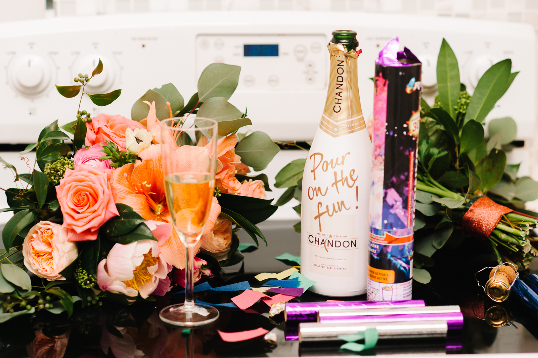 tara mcmullen photography four seasons toronto wedding photos jesi haack design wedding love by lynzie wedding confetti and champagne-008