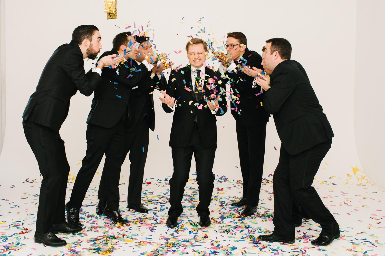 tara mcmullen photography four seasons toronto wedding photos jesi haack design wedding love by lynzie wedding confetti and champagne-019