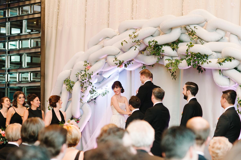tara mcmullen photography four seasons toronto wedding photos jesi haack design wedding love by lynzie wedding confetti and champagne-032