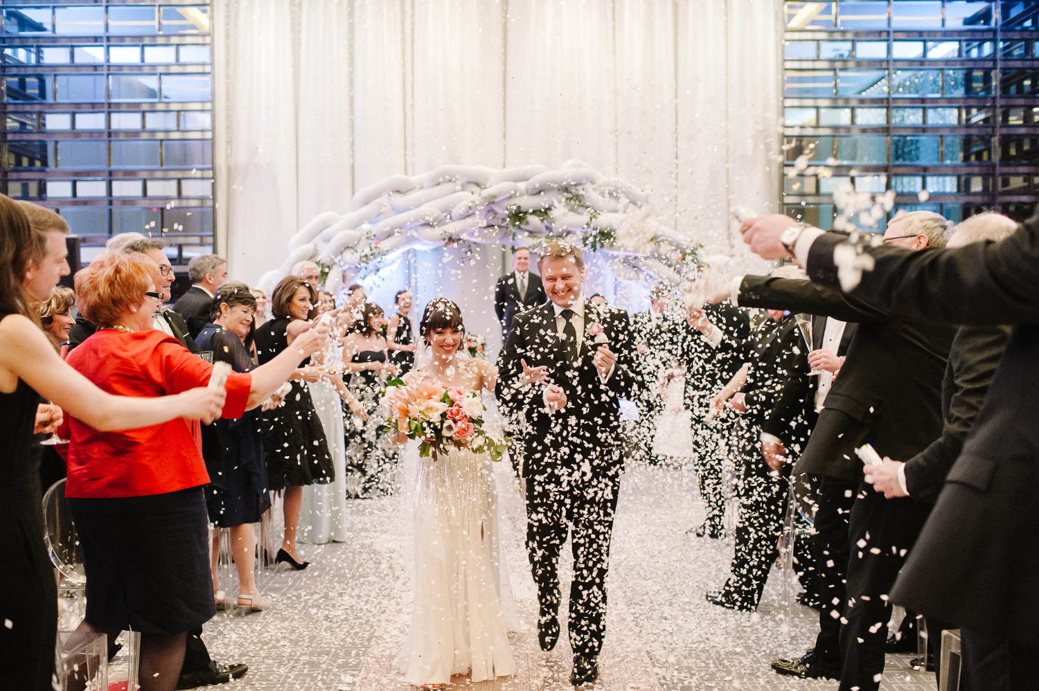tara mcmullen photography four seasons toronto wedding photos jesi haack design wedding love by lynzie wedding confetti and champagne-036
