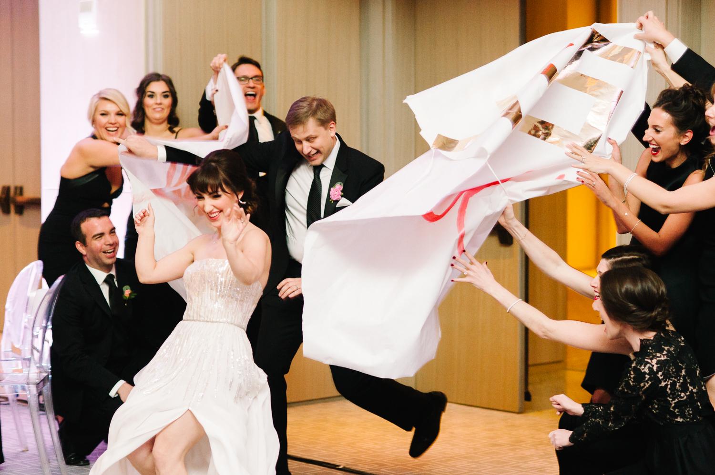 tara mcmullen photography four seasons toronto wedding photos jesi haack design wedding love by lynzie wedding confetti and champagne-038