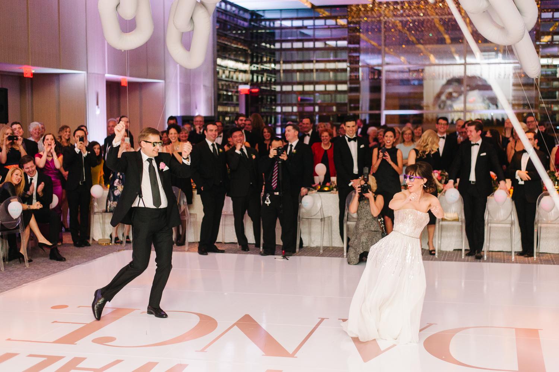 tara mcmullen photography four seasons toronto wedding photos jesi haack design wedding love by lynzie wedding confetti and champagne-057