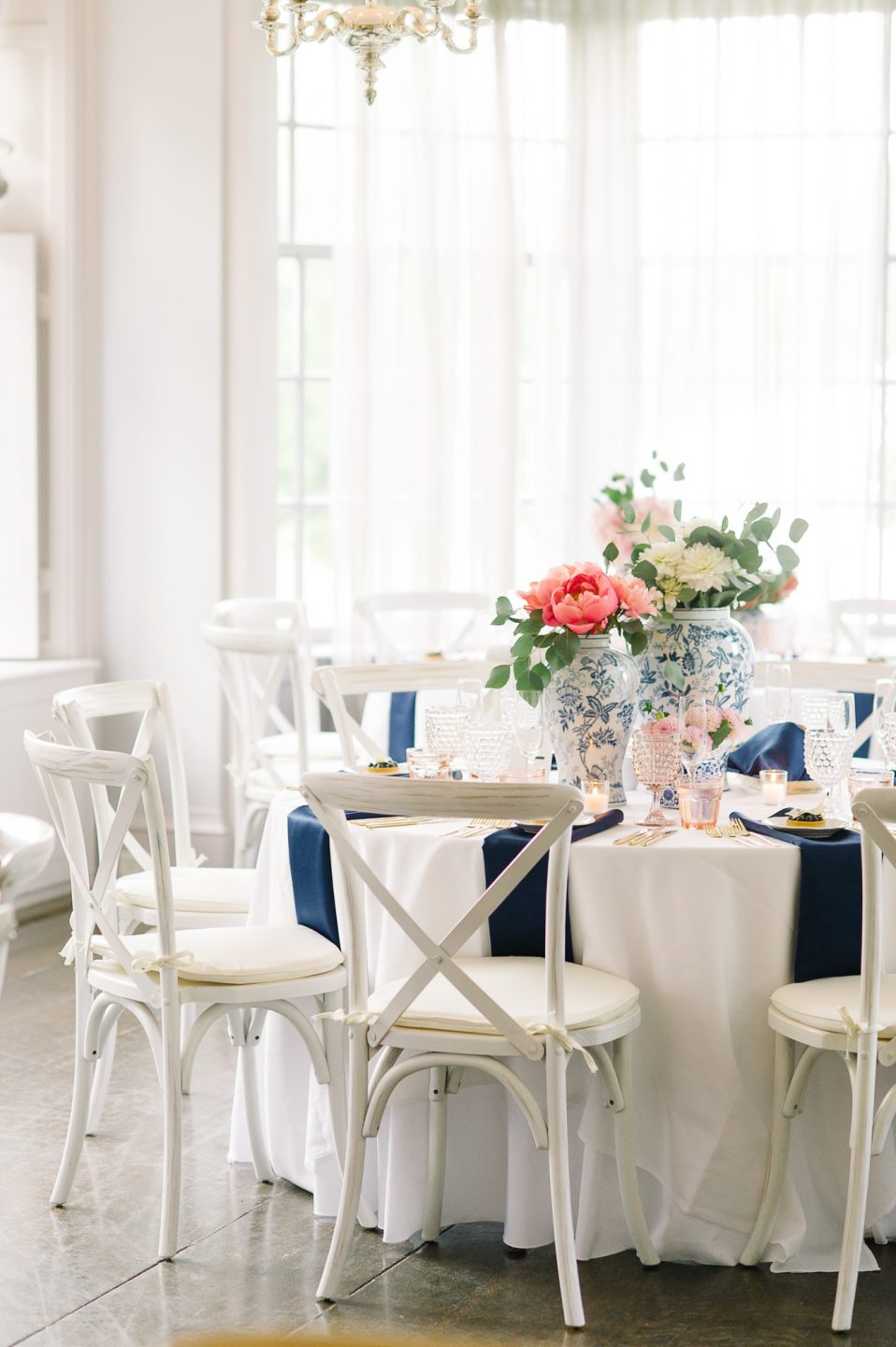 tara-mcmullen-photography-barb-simkova-mclean-house-wedding-estates-of-sunnybrook-wedding-shealyn-angus-wedding-blush-and-bloom-wedding-030